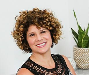 Denise Páne headshot